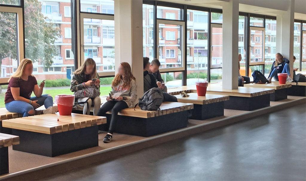 Verblijfsmeubilair voor het Bonhoeffer College in Enschede