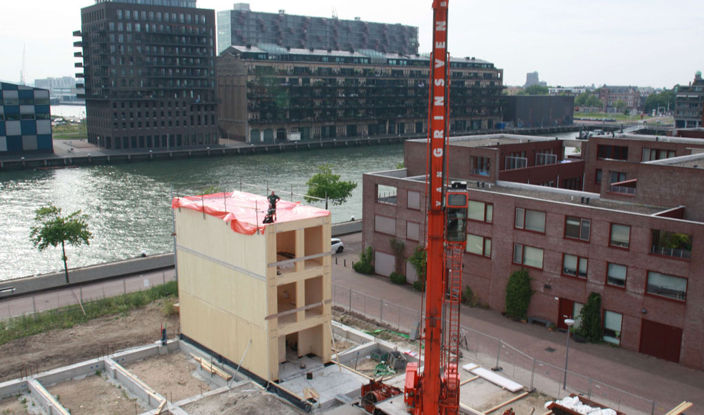 Massief houtbouw zelfbouw woning Rotterdam