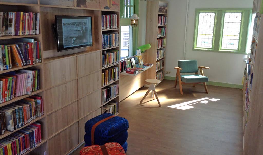 Inrichting Bibliotheek Ouddorp in Rijksmonument het Oude Raadhuis
