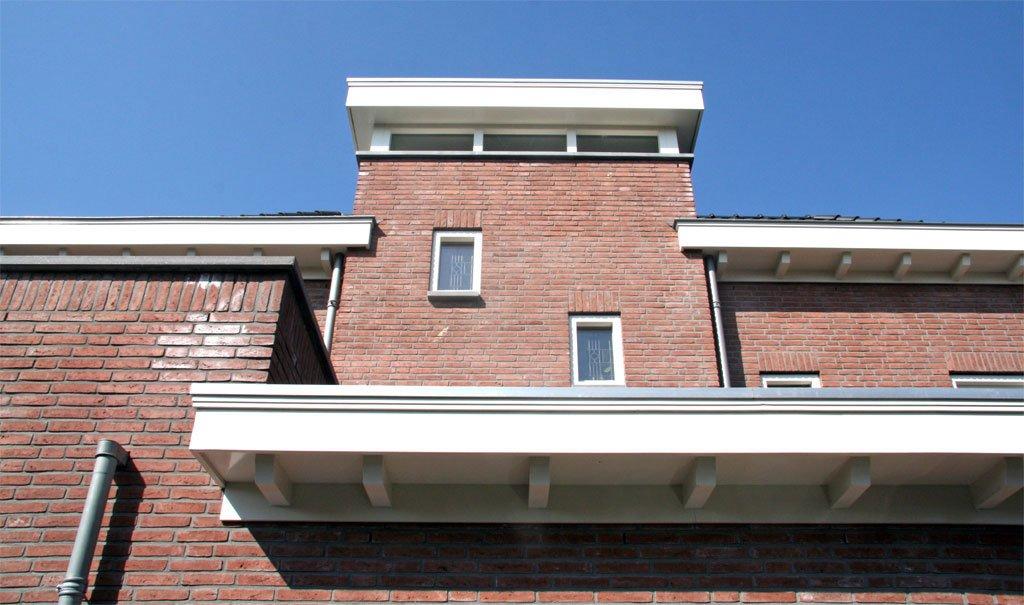 Nieuwbouw woonhuis jaren '30-stijl in Hellevoetsluis